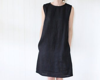 Japanese classic linen dress with side pockets and an opening in the back