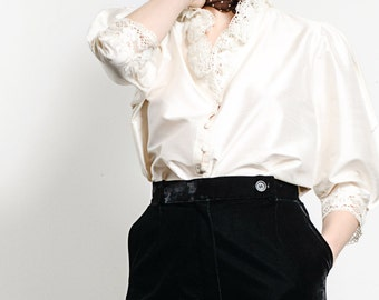 Vintage White 100% SILK Button Up Blouse with LACE COLLAR Size M