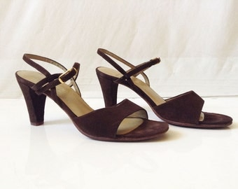 Vintage 70s Bernardo Shoes // Sling back brown leather heels // All Leather Ankle Strap Sandals // 1970s Shoes size 7