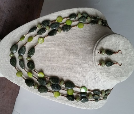 SERPENTINE NECKLACE & EARRING Matching Set. 3-Strand Necklace with Stone Drops and Green Mother of Pearl Discs. Small Dangle Earrings.