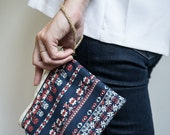 Fabric clutch // Small zipper pouch //  Wrist strap pouch // Handmade by Le Fouillis de Marie