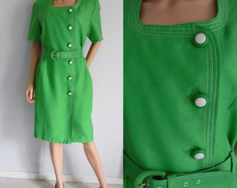 French vintage dress, green, short sleeve, knee length dress, fitted cut, button up dress, large