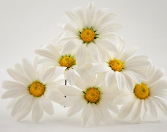 Daisy hair pin Wedding hair accessory Hair flower accessories Camomile hairpins White wedding hair pieces Bobby pins Hair grips Boho flowers