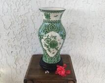 Rare Large Delft Green Vase Delfts Groen 菊 Kiku Chrysant Chrysanthemum 花王 Kaou Pioen Peony Blossoms Chinois Vaas Floral Urn Jar Netherlands