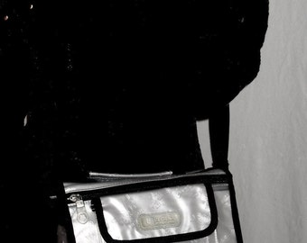 Butterfly White/Clear/Black Everyday Casual Many Pockets Cross Body/Purse/Wallet/Messenger BAG