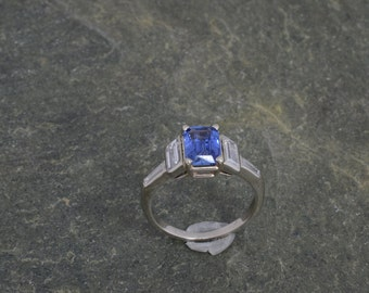 Sapphire Ring with Side Diamonds in White Gold