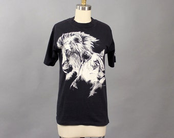 vintage 80s lion t-shirt . black and white tee, animal portrait tshirt, male and female lion faces, size xs small