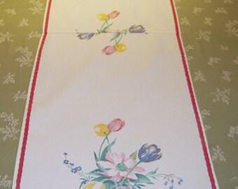 Vintage Wilendur Table Runner Tulips & Daisies