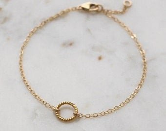 Gold Circle bracelet - dainty gold chain bracelet - gold filled