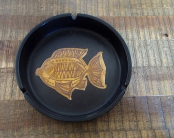 "Vintage 6 1/2"" Matte Black Pottery Ashtray with Modern Fish Design"