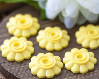 Vintage Flower Cabochons Yellow Lucite Flower Cabochons 22mm