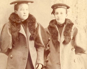 Women Wearing Unusual FLAT TOP Victorian HATS and Fur Lined Winter Coats Cabinet Photo Fargo North Dakota circa 1890s