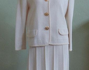 "Vintage 60's-70's Castleberry Light Oatmeal Colored 2 Piece Knit Skirt Suit Bust 42"" Waist 41"""