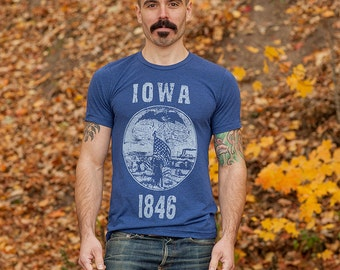 Iowa State Seal T-Shirt. Vintage Style Soft Retro Midwest Shirt Unisex Men's Slim Fit and Women's Tee