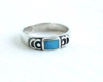 Turquoise Ring Band Size 8 .5 Vintage Southwestern Stacking Ring Geometric Jewelry Artisan Signed