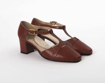 """SALE Vintage """"Siamanto"""" Cut Out T-STRAP SHOES Campus Brown Leather Chunky Heels Modern Twee Mary Jane's Dress Pumps Prep Sandal Shoe Size 7"""