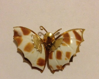 Vintage Butterfly Shell Brooch Over Metal Body|Butterfly Brooch|Shell Brooch|Vintage Brooch