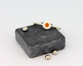 14k White Gold Orange Sapphire Ring | Handmade solid 14k white gold ring set with brilliant cut  orange sapphire