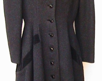 Small  LILLI ANN  princess coat.  1950s