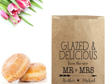 Wedding Donut Bags Stamp - Glazed & Delicious From the Mr and Mrs - Wedding Donut Favor Box - Donut Treat Bag -Wedding Favor Bag - Donut Box