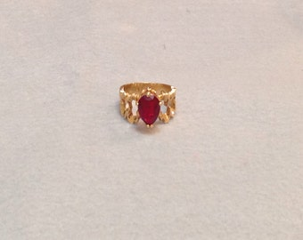 Vintage Sparkly Red Rhinestone Ring