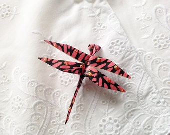 Origami Dragonfly Pin (pink & black)