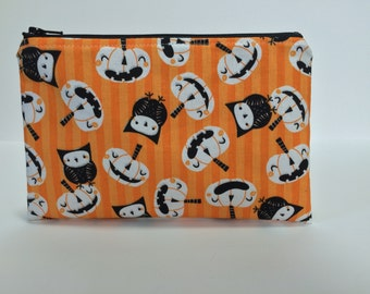 Halloween Zipper Pouch. Jack-O-Lanterns. Owls. Black, Orange. Makeup Bag. Coin Purse. Pencil Pouch. Pumpkins. Whimsical. Interfacing.