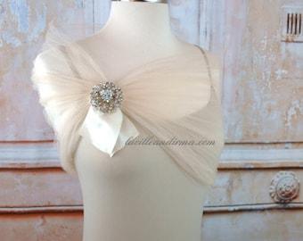 Ivory Tulle Bridal Shawl Wedding Shawl Tulle Stole With Rhinestone Brooch Evening Wrap Shoulder Wrap Cream Tulle Stole Prom Shrug