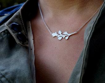 Silver Floral Necklace // Mala Hierba // Flower Necklace // Gift For Her // Zilveren Bloem Ketting // Zilveren Blaadjes Ketting