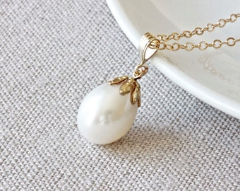 White Pearl Pendant Necklace, Large Pearl Necklace, Filigree Jewelry, White Pearl Necklace, Gold Chain Necklace, Freshwater Pearl Jewelry