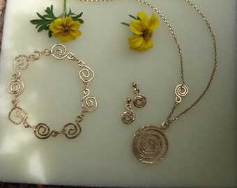 Jewelry set in gold 585 (14 K) with spirals!