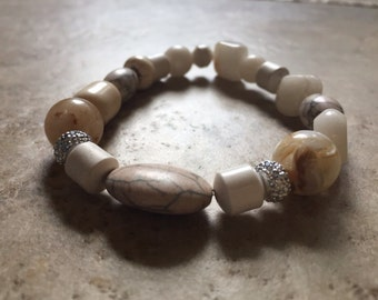Natural with bling stone and glitter stretch bracelet