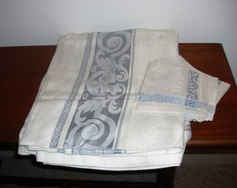 "Vintage Damask Tablecloth & 6 Napkins Ivory/blue 73"" x 59"""