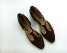 Vintage T-Strap Mary Janes - Salvatore Ferragamo - Vintage Italian Leather - Size 8 - Vintage Couture - Preppy Fashion