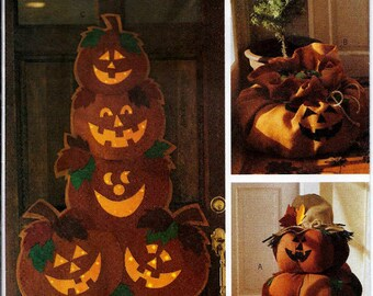 Outdoor Halloween decorations pattern - Jack o'Lantern Door Greeter, Wall Hanging and Candy Sack Butterick 3984 UNCUT & FF (2003) K0699