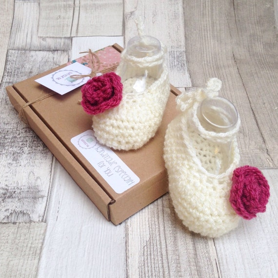 Baby ballet shoes, Girls ballet shoes, Baby pumps,Baby mary Janes, Crochet booties, Crochet rose,Photo prop, Cream baby pumps, Newborn gift