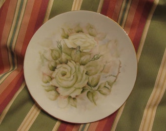 """Bavarian Decorative Plate by Bareuther Waldsassen. 7 and 3/4"""" diameter"""