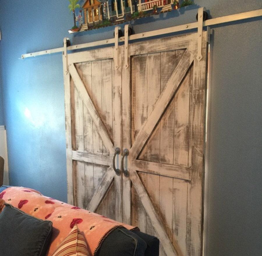 double arrow style sliding barn door hardware by barndoorstore. Black Bedroom Furniture Sets. Home Design Ideas