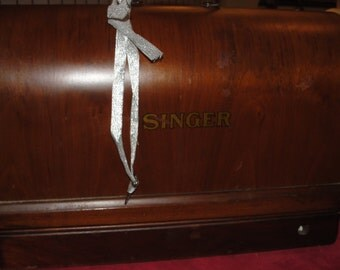 1940s Singer Sewing Machine