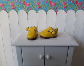 Yellow shoe for BLYTHE/Pullip