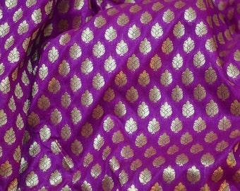 Tela púrpura del brocado para la tela del vestido de boda y el vestido de Lehenga Material, tela del traje, tela de elaboración