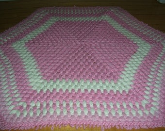 Crocheted Area Rug Pink White Area Rug Vintage 34x29