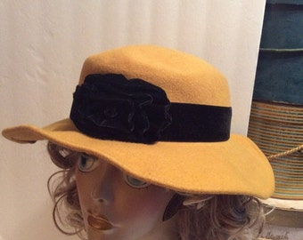 50% Off Sale Vintage Wide Brim Wool Hat/Made in USA