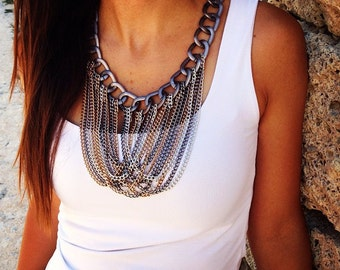 Blue-gray chains necklace