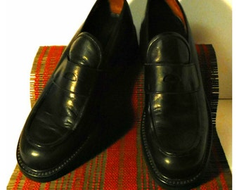 Mens Vintage Loafers, Italian Leather Shoes, Black Leather Shoes, Mens Dress Shoes, Slip On Shoes, Vintage BANANA REPUBLIC Shoes / 10 D