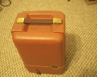 Vintage - Revere model 85 8mm movie projector