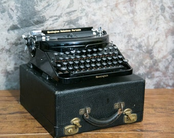 Remington Noiseless Portable Typewriter with Case - Great Condition!