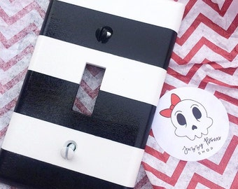 Black and White Striped Light Switch/Outlet Cover, Black and White Stripe Light Switch Plate, Black and White Decor
