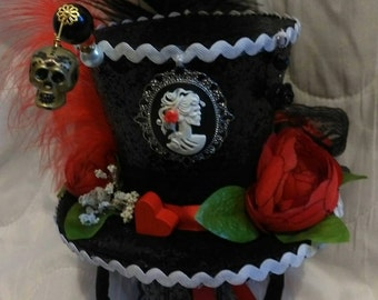 Day Of The Dead Black Mini Top Hat Halloween Steampunk Sugar Sculls Red Roses Hearts Ascot Wedding
