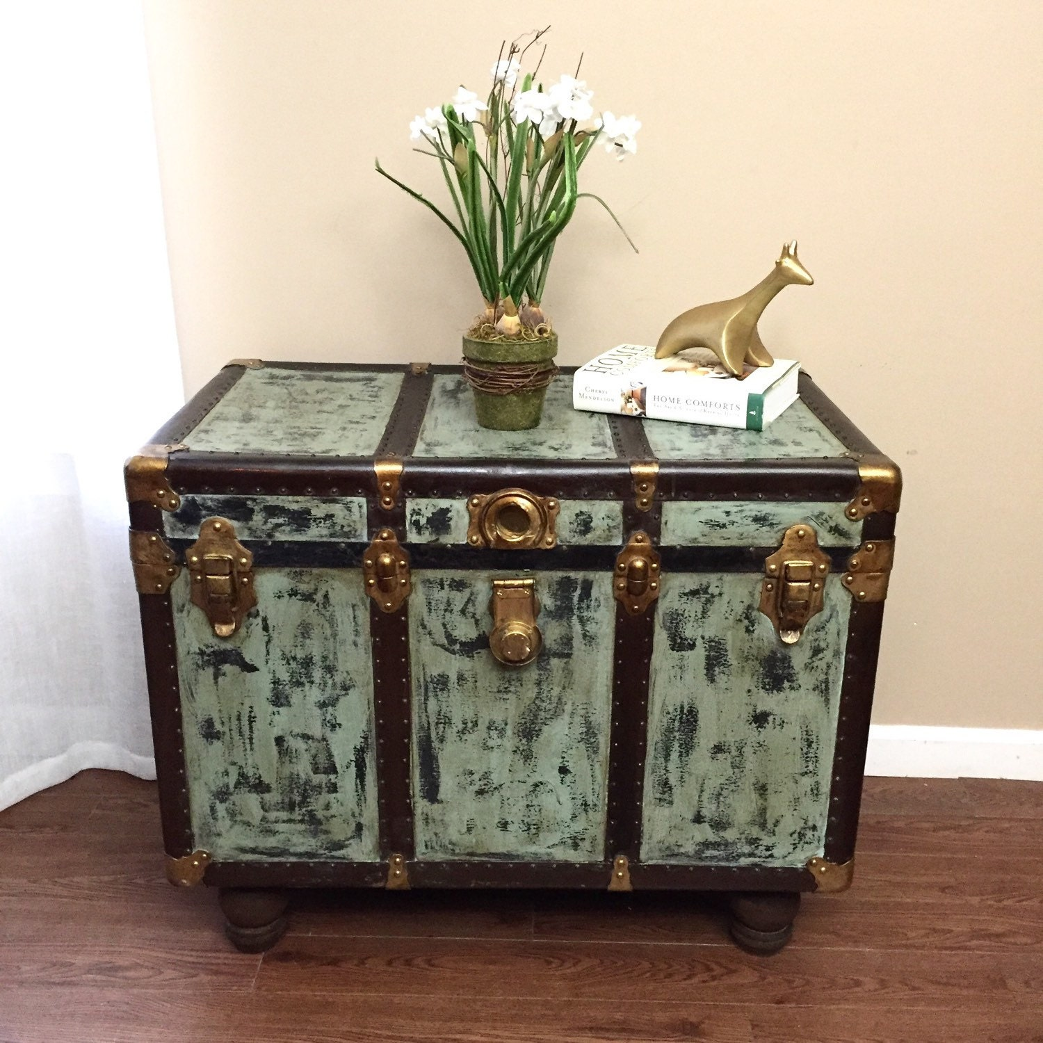 Antique Trunks As Coffee Tables: SOLDCoffee Table Vintage Steamer Trunk Coffee Table Side